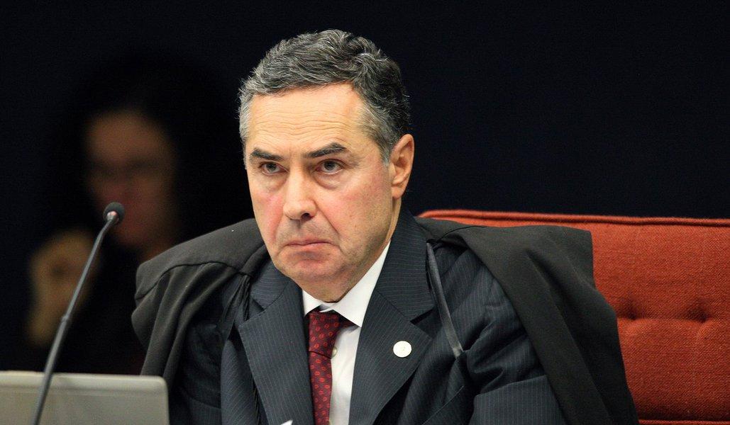 Tijolaço: Barroso não é um juiz, é um tirano