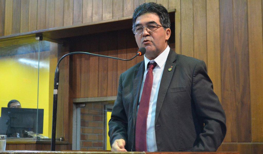 Líder do Governo comemora números do Ibope, IBGE e Datafolha