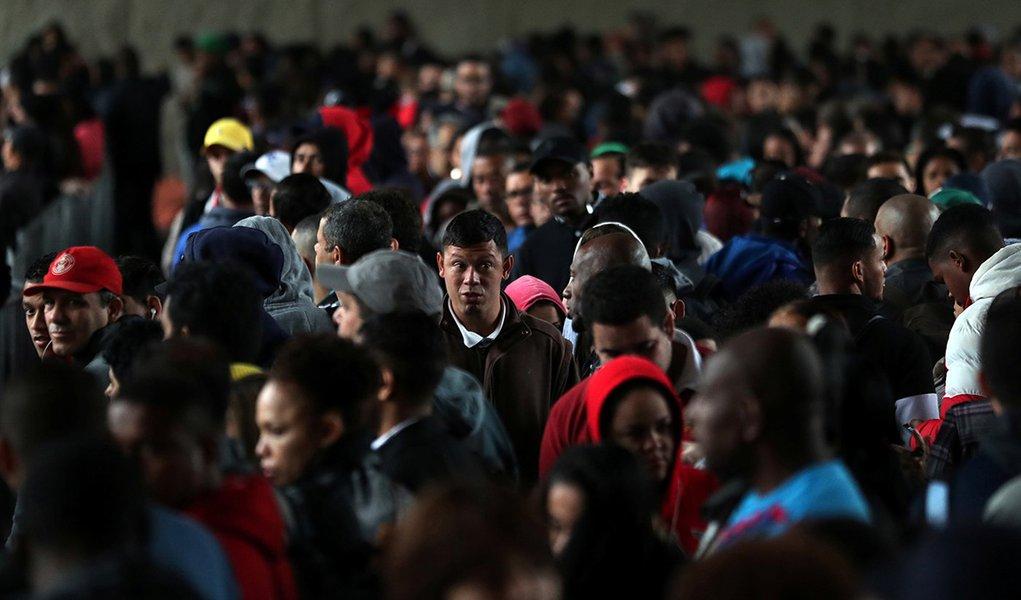 Desemprego vai a 12,3% e alcança 12,86 mi de brasileiros