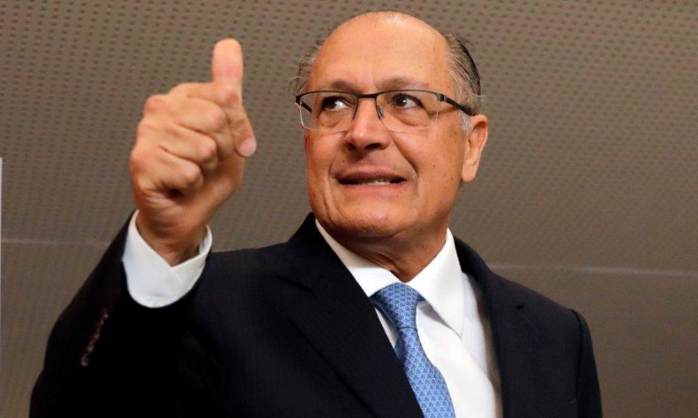 No Jornal Nacional, Alckmin repete bordões e mantras