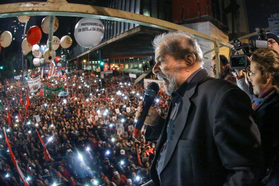 Lula pede liminar ao TSE para gravar programas para o horário eleitoral