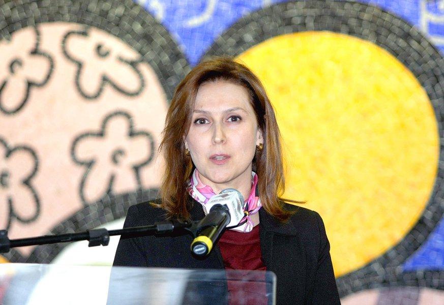 Maria Cristina Frias assume a Folha
