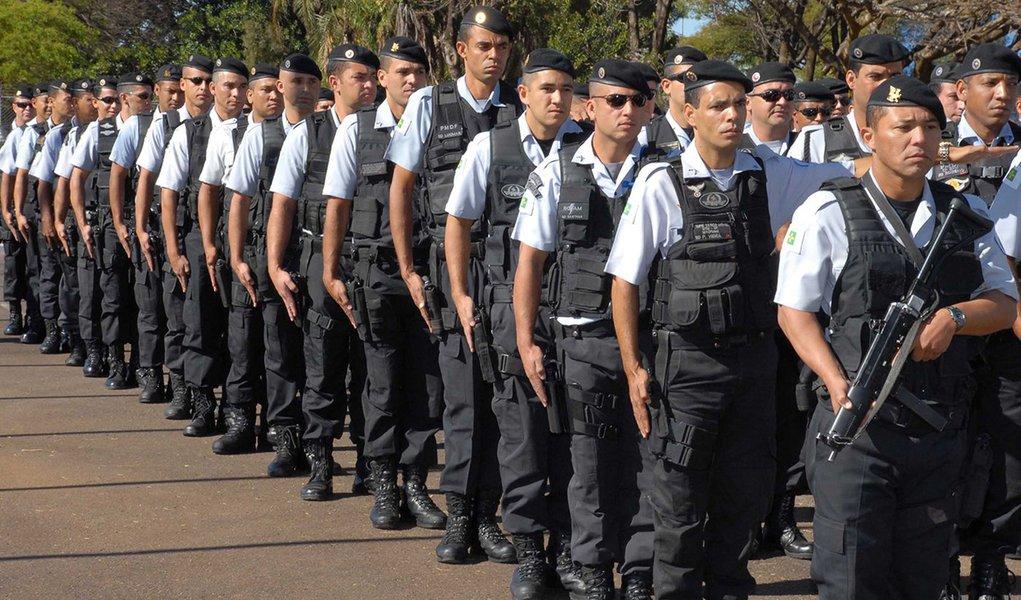 Cresce o número de PMs candidatos a deputado no Ceará; cai o de professores