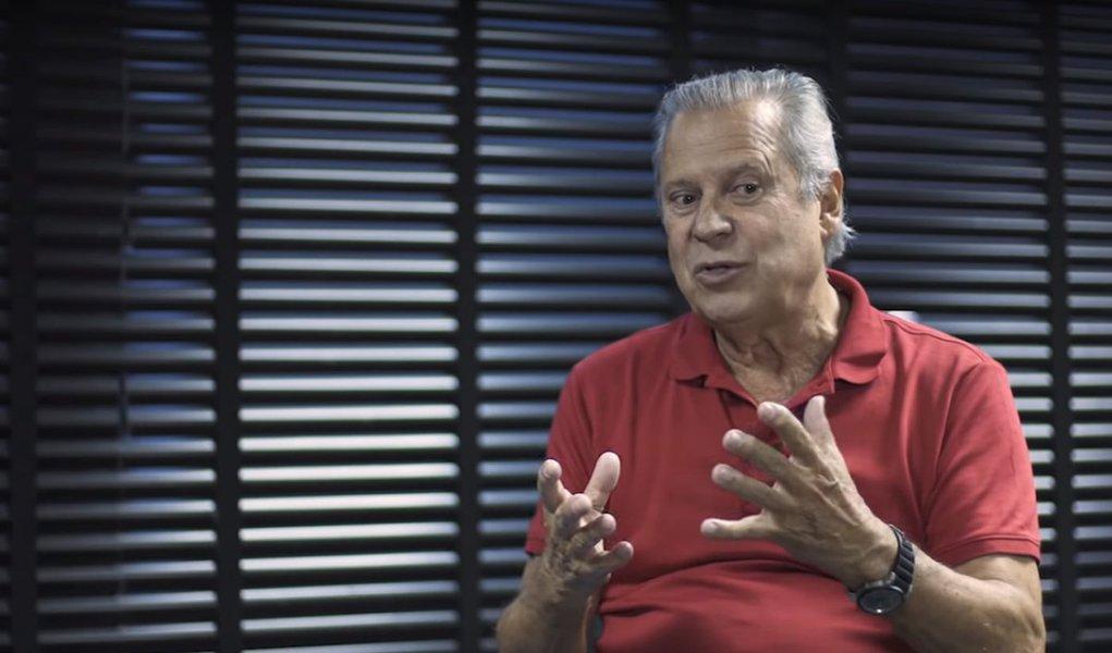 José Dirceu lança sua biografia: 'sempre achei uma brecha para lutar'