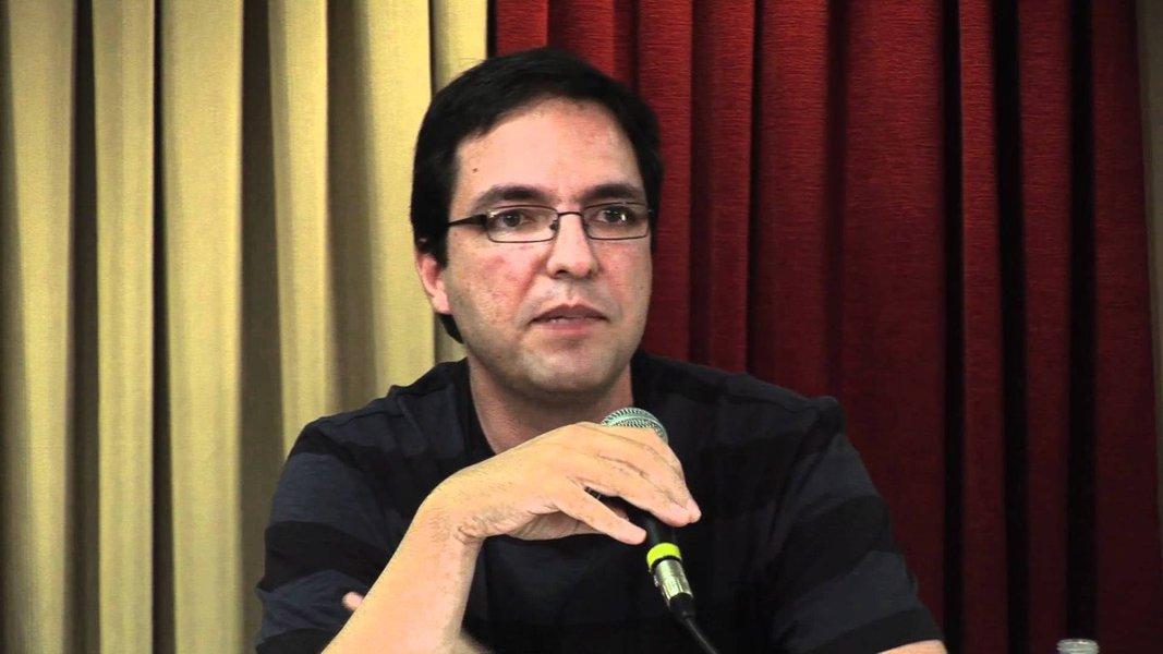 Luis Felipe Miguel defende mobilização nacional contra o arbítrio na UFSC
