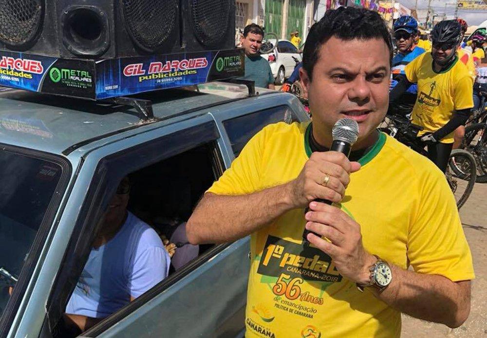 Deputado do DEM pede votos para chapa petista na Bahia