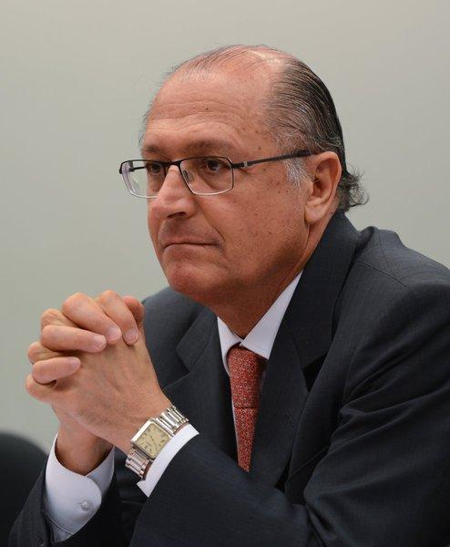 """Fernando Brito diz por que não crê em """"arrancada"""" de Alckmin"""