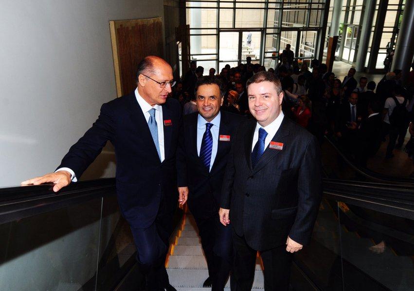 Em Minas, Alckmin e Anastasia fogem de Aécio