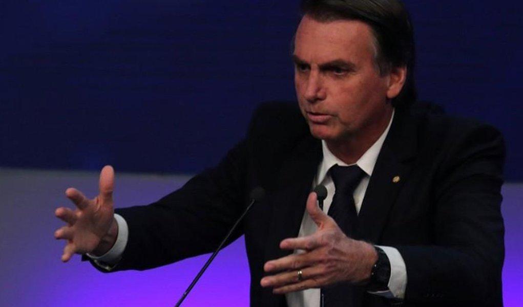 Após repercussão negativa, Bolsonaro admite ir a debates
