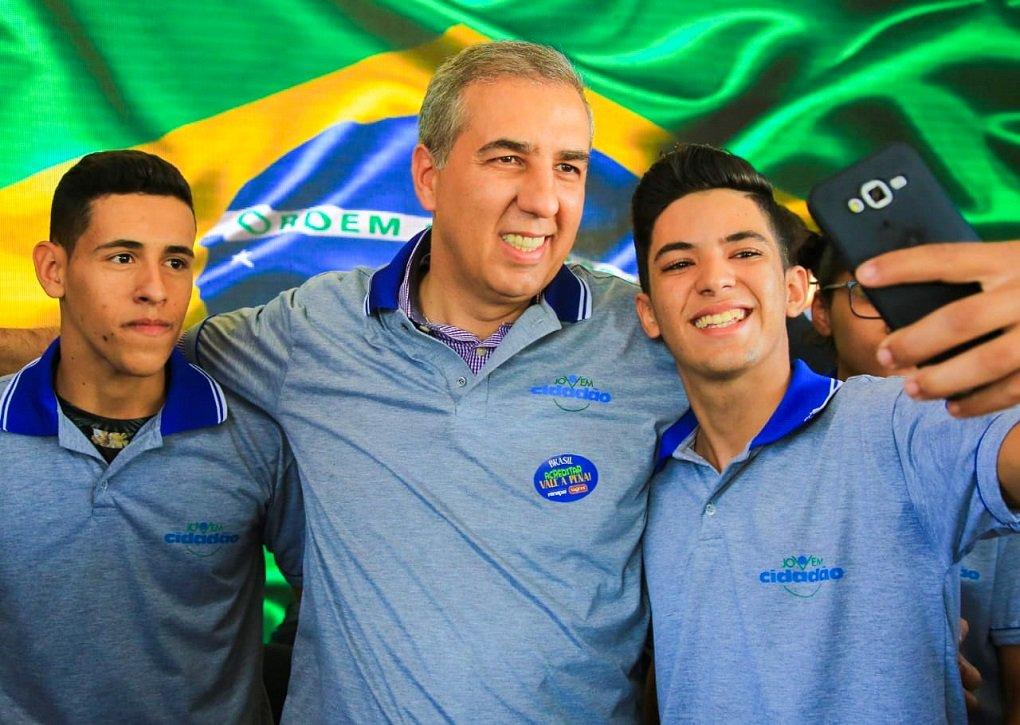 Zé Eliton destaca Goiás como 3º Estado que mais gerou empregos