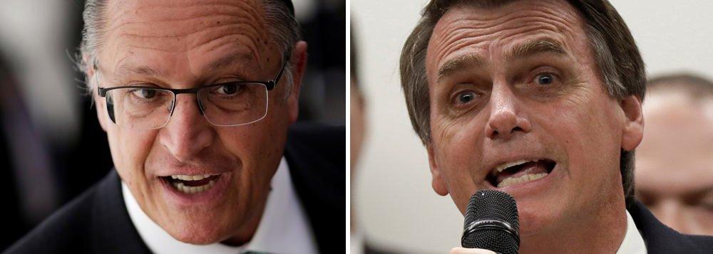 Bolsonaro parte para cima de Alckmin e o associa à Lava Jato