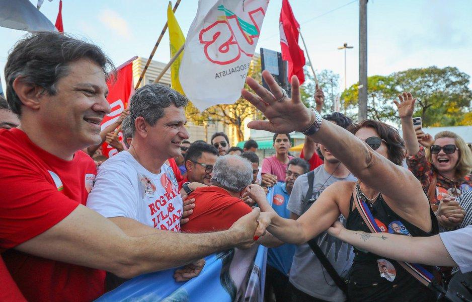 Haddad amplia imagem como possível candidato com postura de líder de Esquerda