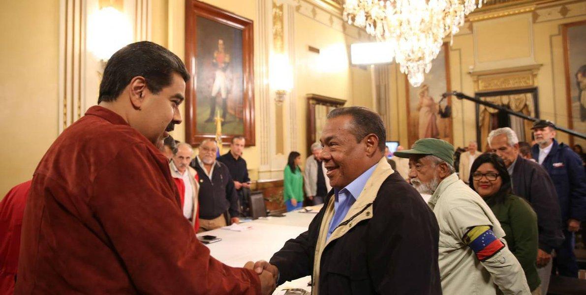 Maduro convoca congresso de trabalhadores para enfrentar guerra econômica