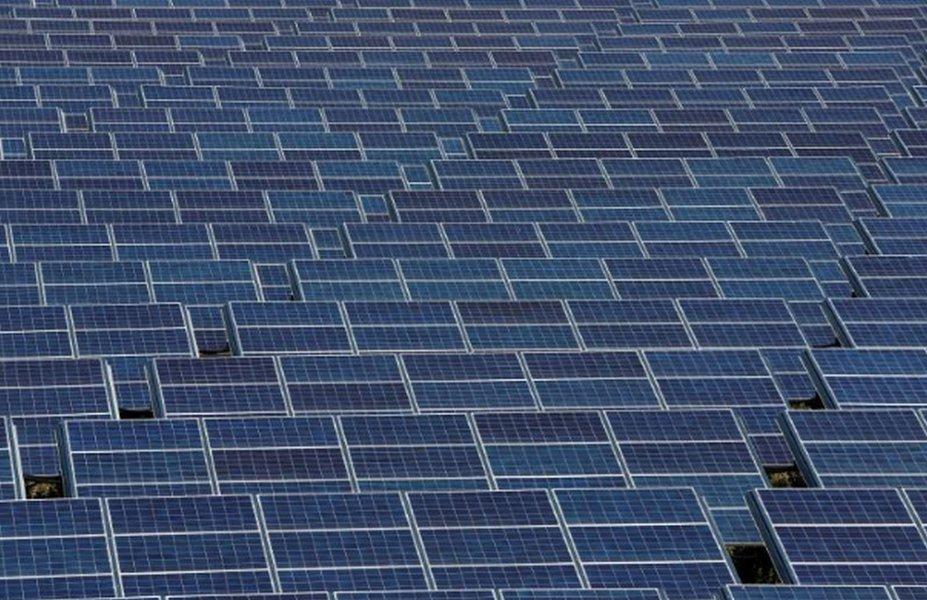 Tarifas dos EUA ameaçam lançamento de dispositivo da Huawei para energia solar