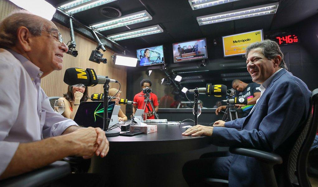 Haddad: nunca cogitamos abrir mão de Lula, como o PDT queria