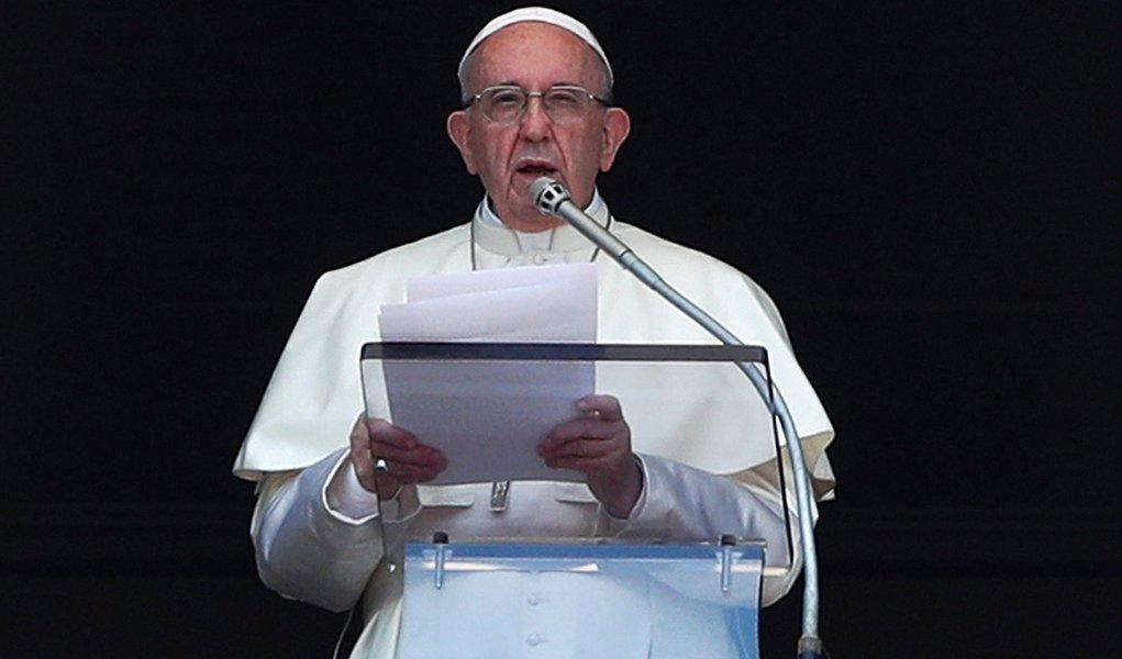 Em carta, papa diz que vai acabar com acobertamento de abusos sexuais
