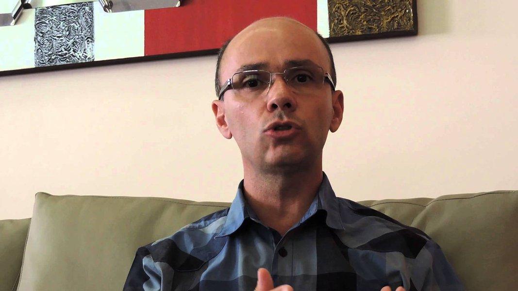 Cientista político Robson Sávio explica por que seu voto é em Dilma