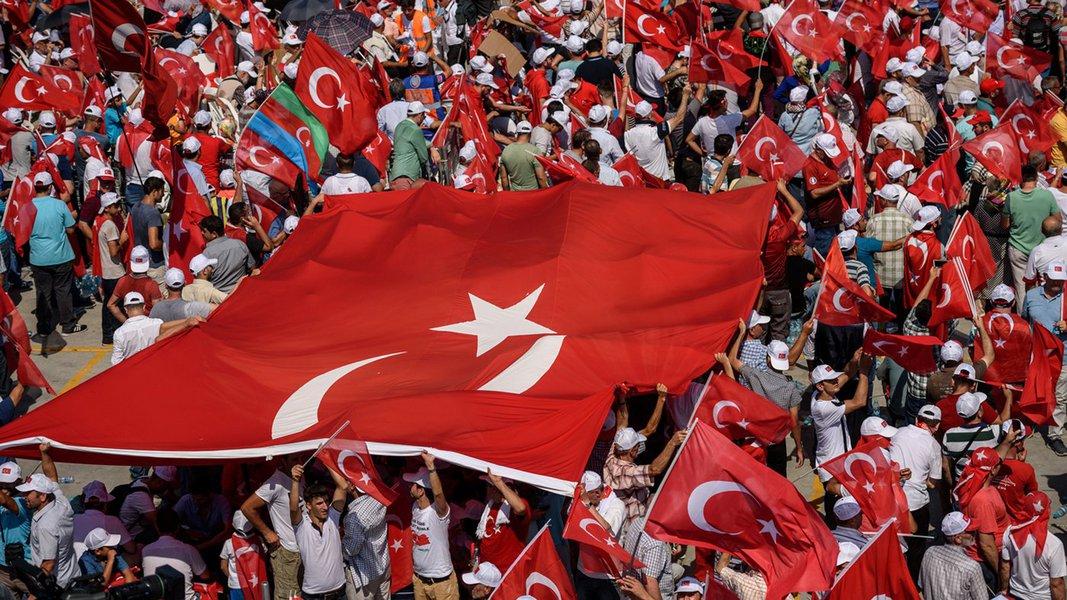 Erdogan diz que ataque à economia não é diferente de ataque à bandeira nacional