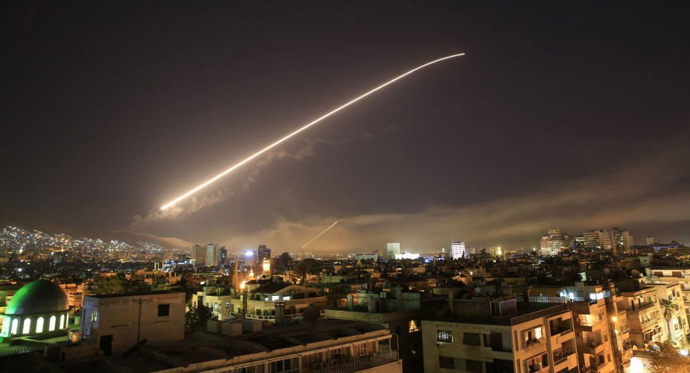 Defesa antiaérea da Síria derruba mísseis disparados de Israel