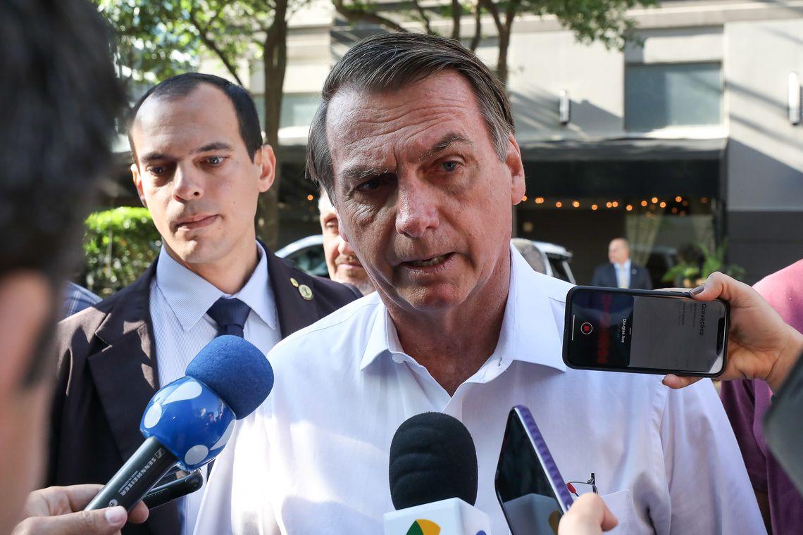 Financial Times diz que Bolsonaro virou um pária