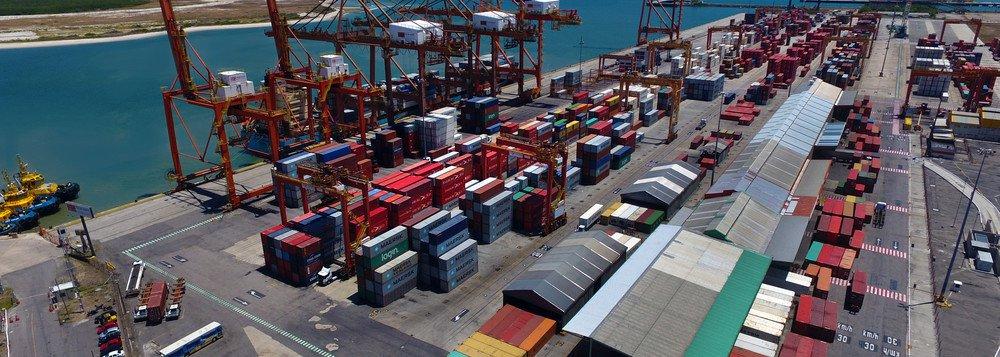 Balança comercial tem superávit de US$ 1,6 bi na terceira semana do mês