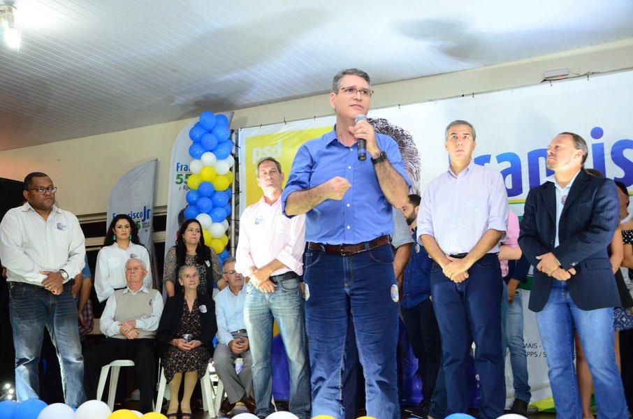 Francisco Jr. lança candidatura com grande reunião em Goiânia