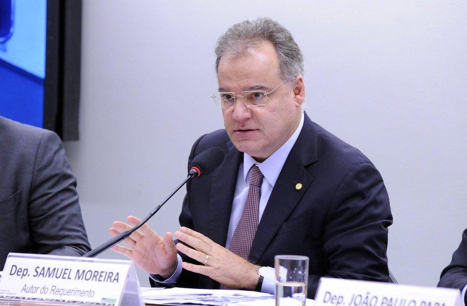 Trabalhar até os 65 anos 'não é sacrifício', diz relator da Previdência