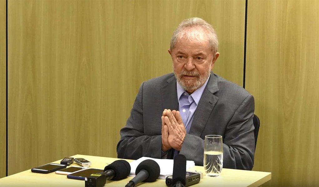 Assim como Roberto Carlos, Lula vai precisar de um milagre para se casar