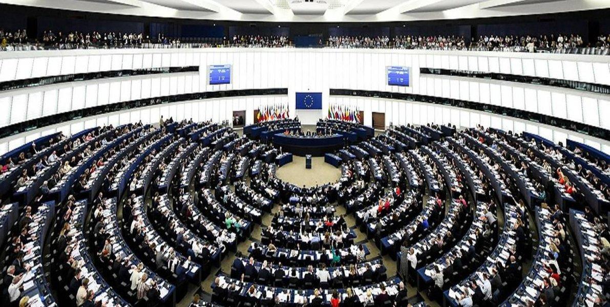 Europa tem eleições a parlamento regional com risco de abstenção recorde