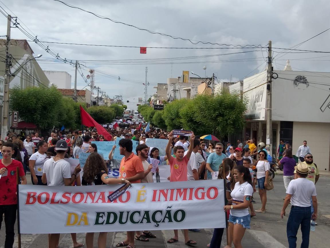 Estudo britânico mostra como está difícil ser professor no Brasil