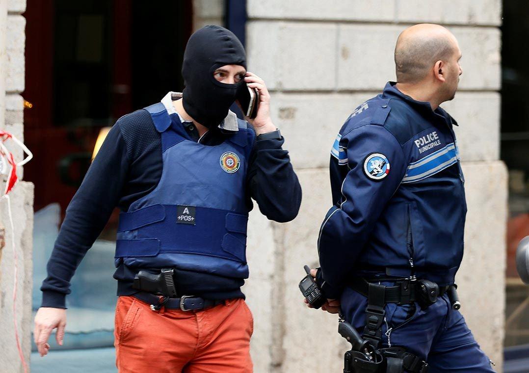 Explosão de pacote deixa mais de 10 feridos em Lyon