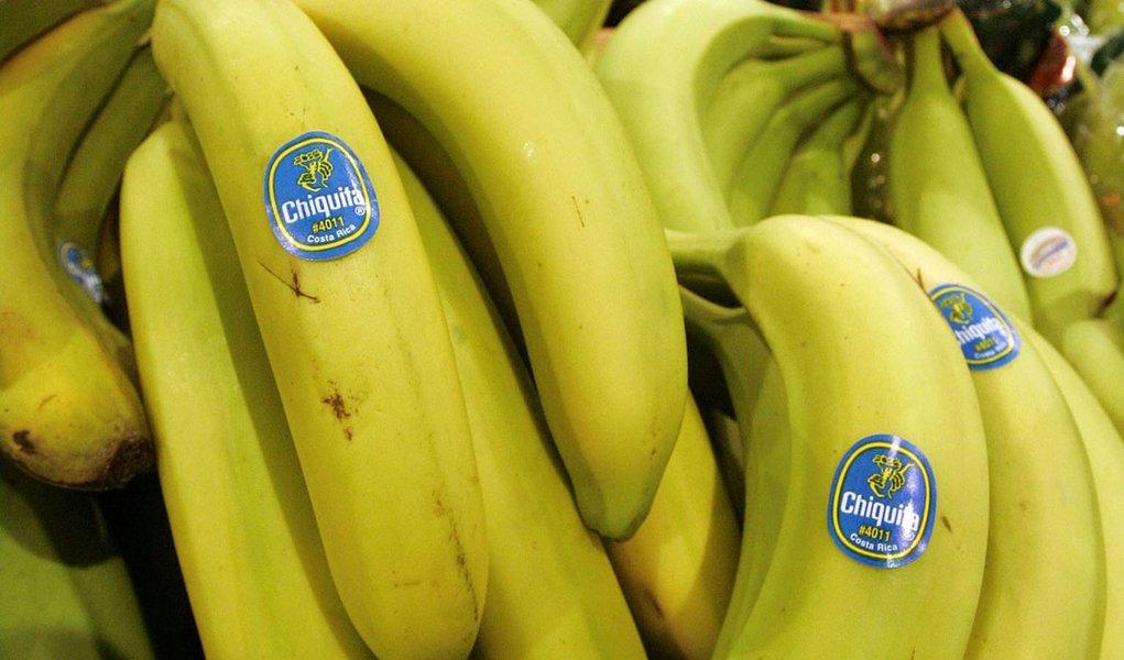 Entre bananas e política