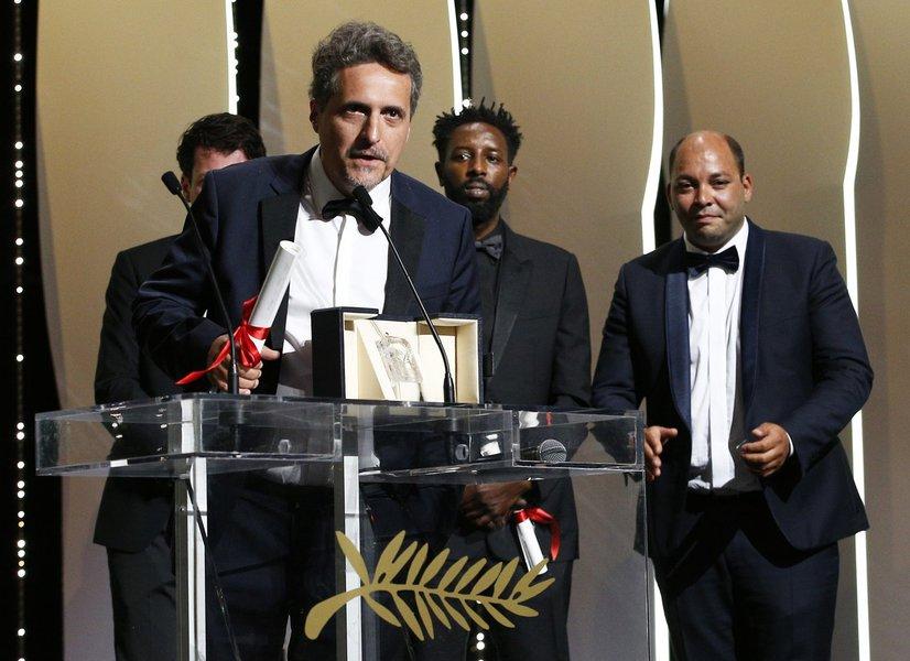 Vitoria em Cannes marca novo vexame de Bolsonaro