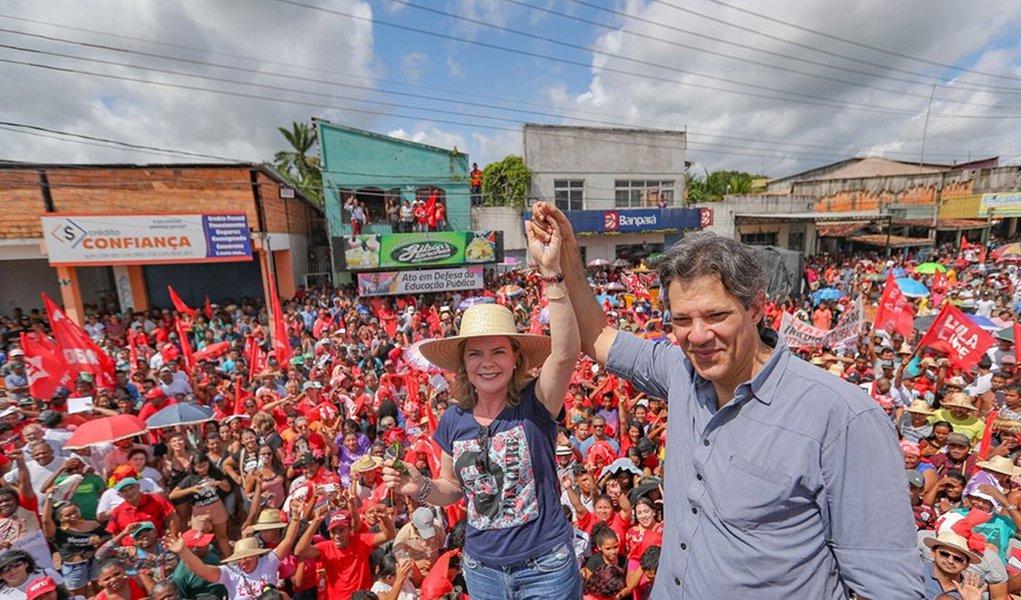 O povo vai ensinar Bolsonaro a respeitar os estudantes e trabalhadores, diz Haddad
