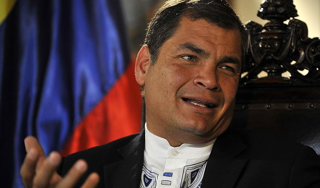 Justiça do Equador manda prender ex-presidente Rafael Correa