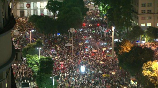 15 + 30 de maio é = a 14 de junho e à grande  greve geral contra a reforma da Previdência