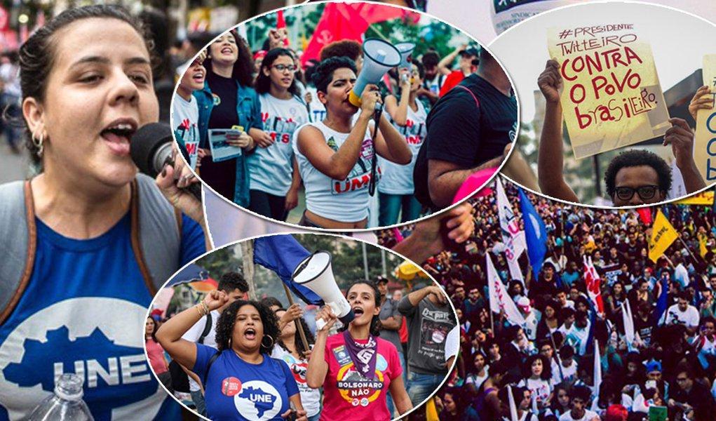 Manifestação estudantil contra Bolsonaro