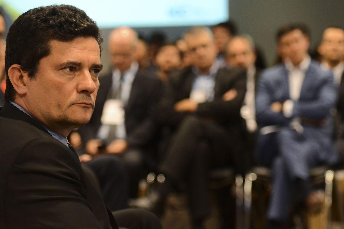 Brasil viveu chantagem de uma farsa