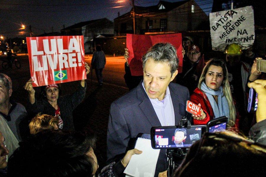 Haddad: Lula tem certeza que sua inocência será comprovada