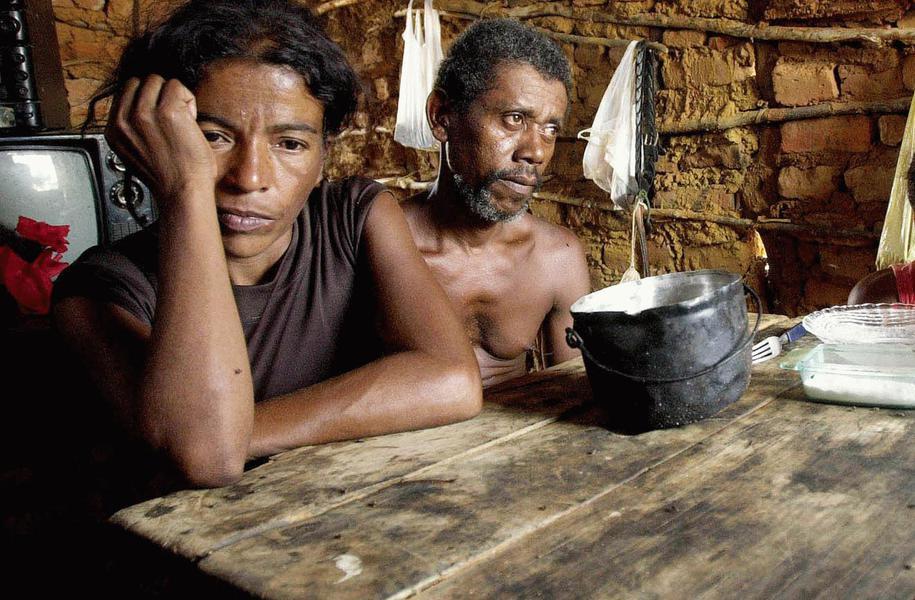 Brasil do golpe: extrema pobreza e desemprego