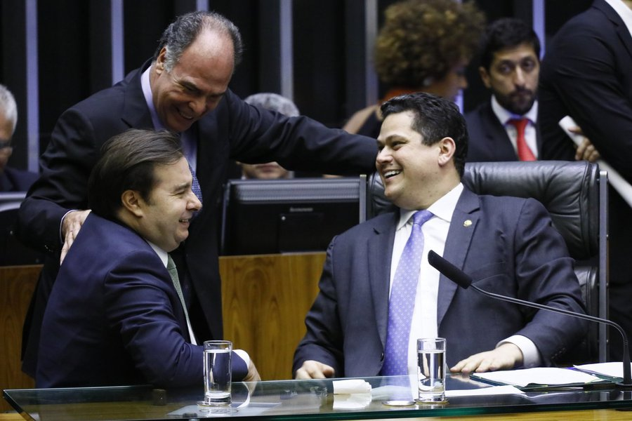 Congresso aprova crédito suplementar de R$ 248,9 bilhões para o governo