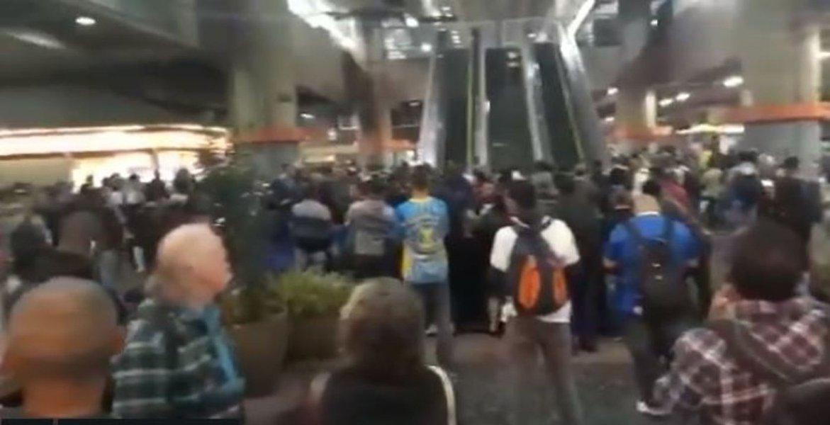 Metrô tem várias estações fechadas em São Paulo