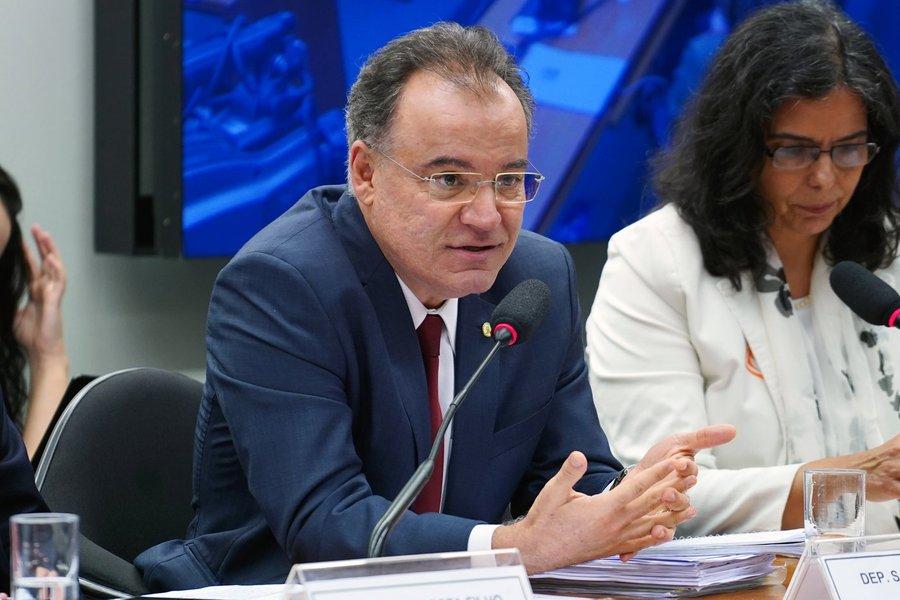 Relator da Previdência diz que vai excluir estados e municípios do texto final
