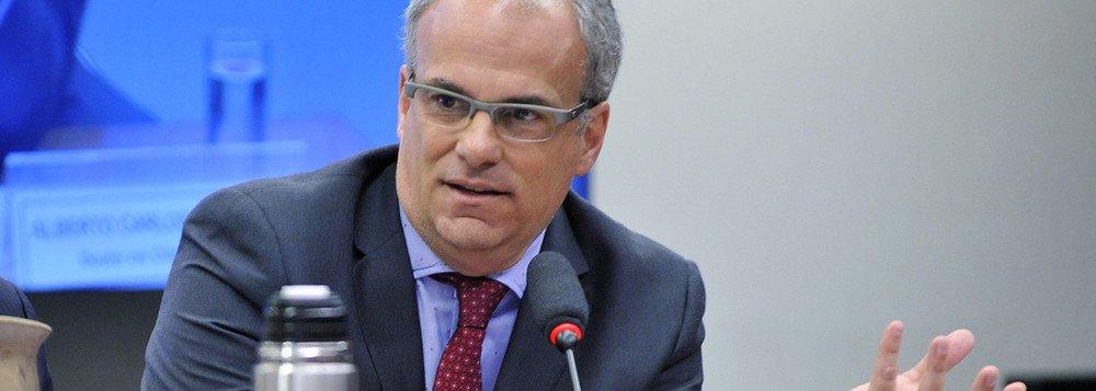 Alberto Carlos Almeida: Moro agiu como um inquisidor