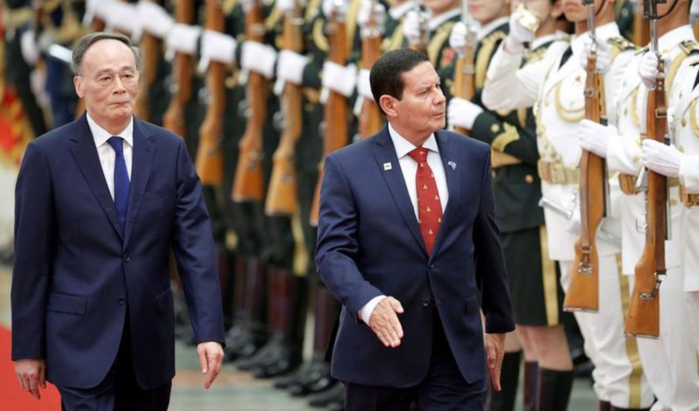 Mourão diz que país está aberto a investimento chinês dentro de regras brasileiras
