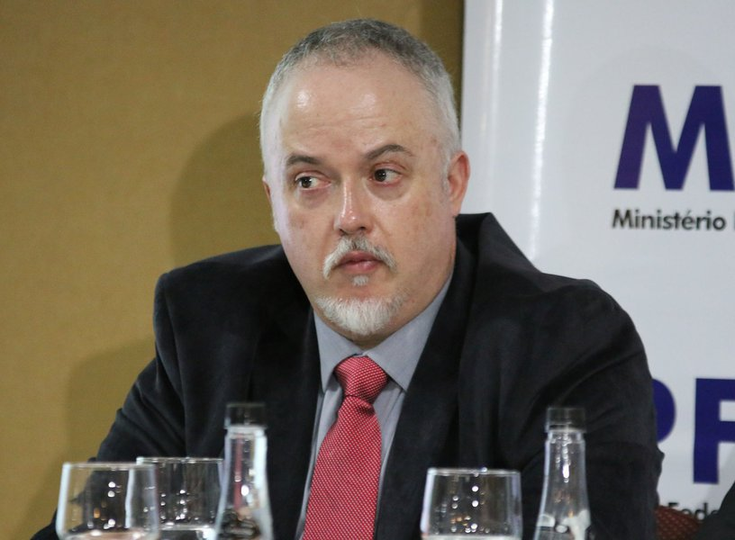 Carlos Fernando, ex-Lava Jato, diz que matéria de jornal não pode condenar