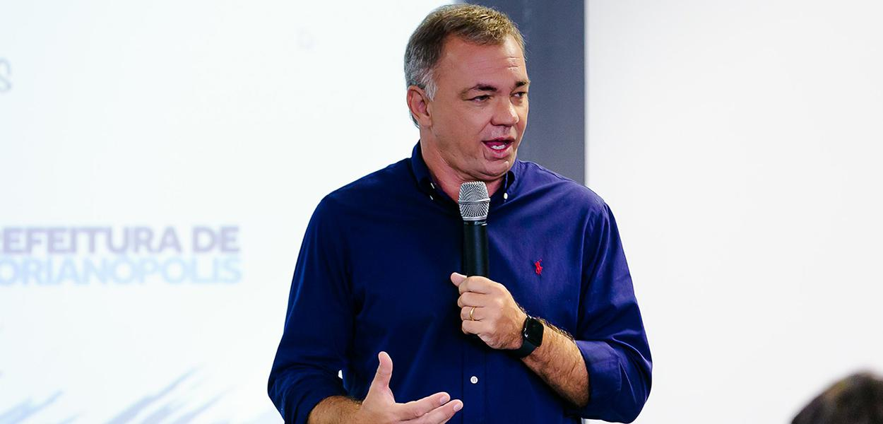 Painel de abertura com debates e participação do prefeito, Gean Loureiro