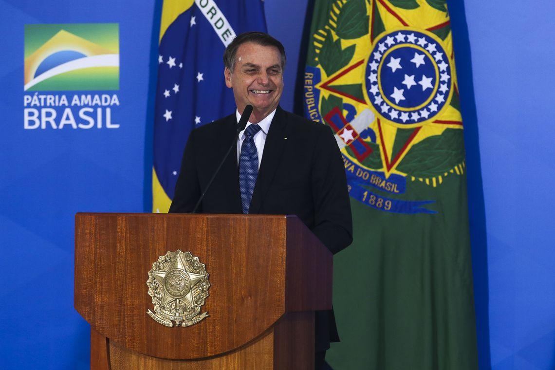 Bolsonaro defende prisão perpétua no Brasil