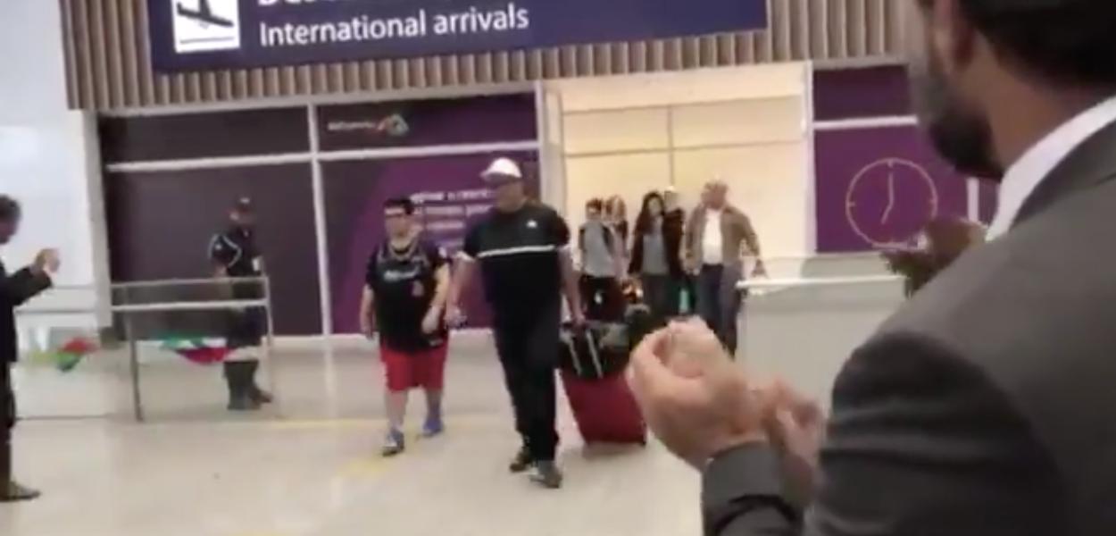 Ministro turismo eua visto aeroporto