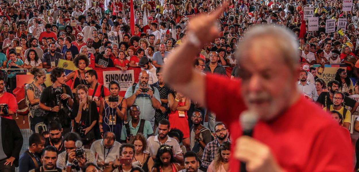 Lula participa de ato em defesa das democracias no Fórum Social Mundial de Salvador. Foto: Ricardo StuckertSalvador (BA), 15/03/0218.